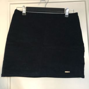 Abercrombie skirt in velour - has been worn 1-2 times
