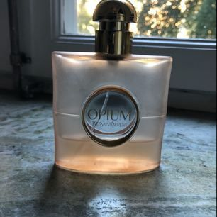 Tired of this perfume- ca 1/4 left! New price ca 900