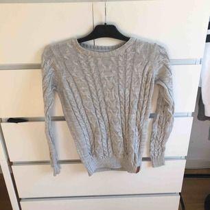 Jätte mysig och fin tröja. Köparen står för frakt;))