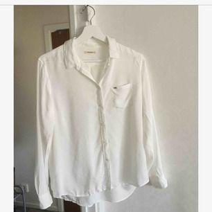 Vit skjorta från Lee  Frakt 39 kr