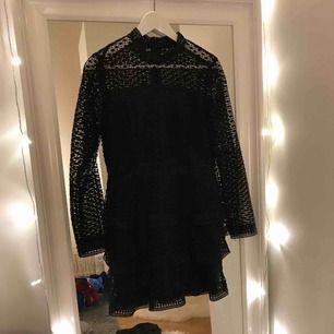 En fin klänning ifrån AX Paris Aldrig använd då även prislapp sitter kvar Kan mötas upp i Uppsala  Nypris 500