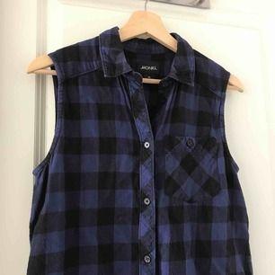 Rutig flanellskjorta från Monki i blå och svart