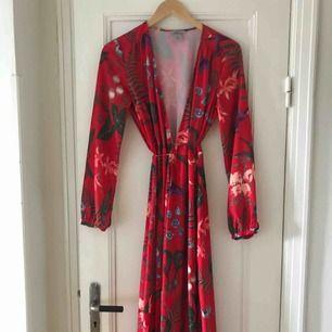MIDI wrap dress, H&M. St 36