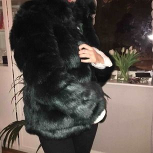 PRIS ÄR DISKUTERBART!!! Nelly Fluffy Fur Jacket, aldrig använd.