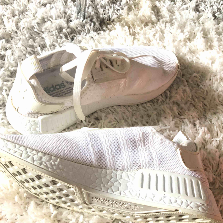 Ett par adidas nmd i storlek 38 - Adidas Skor - Second Hand 7aa8336720393