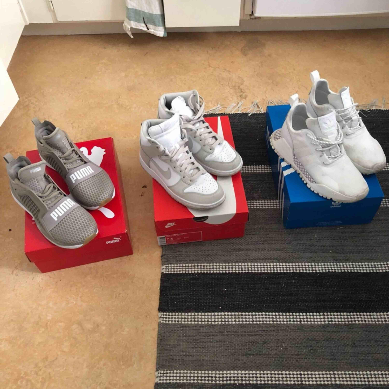 3 verschiedene Sneaker der Marken Nike, Puma und adidas Sparingly! 1000 kr für alle 3 oder 500 kr Neuer preis adidas 1800 kr Neuer preis nike 1199