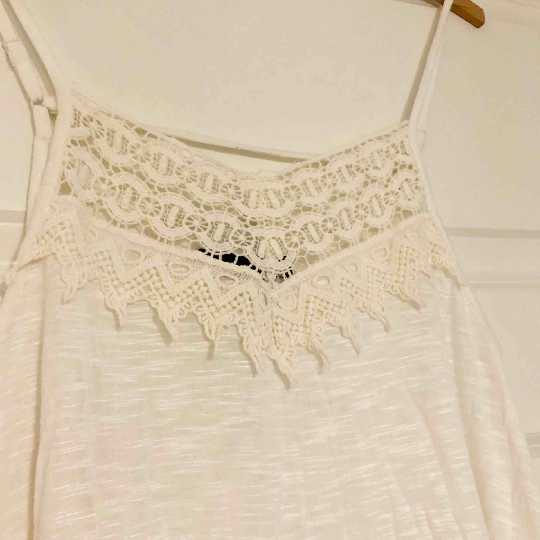 Jättefint linne som är helt oanvänt, hoppas att det kan hitta ett nytt hem. Betalas med swish och du som köpte står för frakten! ✨. Toppar.