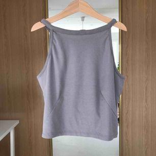 Ribbed linne från Gina Tricot, knappast använd!