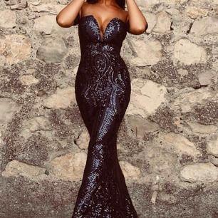 Strlk S shiny sexy gala dress