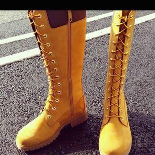 Splitter nya Timberland skor för dam endast testade. Aldrig kommit till användning så nu har jag bestämt mig för att sälja dem. Köpta för 2100 på zalando