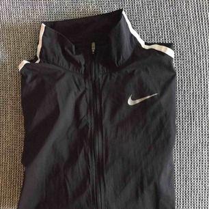 Vindjacka från Nike nyskick