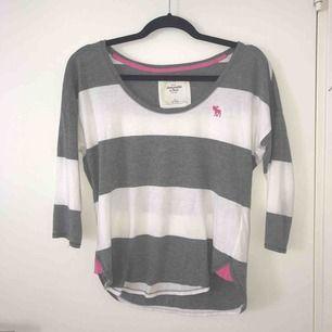 Långärmad t-shirt från Abercrombie and fitch stl S