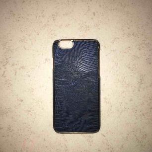 Står för frakten. Iphone 6/6s skal från Richmond&Finch säljs för 20kr
