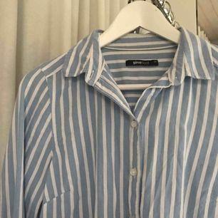Jättefin skjorta från Gina tricot! Sparsamt använd, frakt på 39 kr tillkommer! 💘