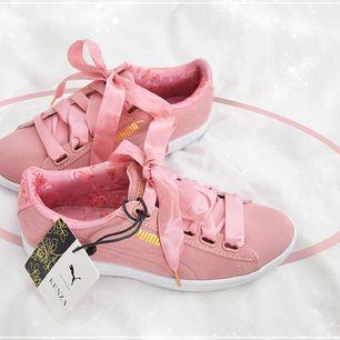 Puma skor från Kenzas kollektion. Använd en gång. Strl. 38 extra skosnöre till 🌸