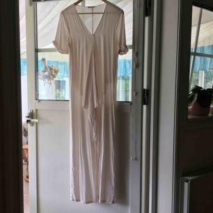 Tunika / klänning. Kan mötas upp i kungsbacka eller posta, köparen står för frakten.
