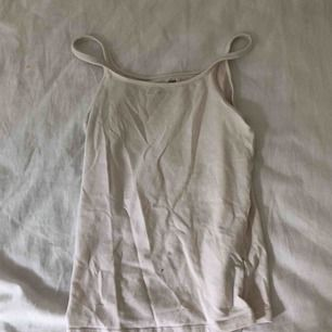 vitt linne från hm frakt 34kr