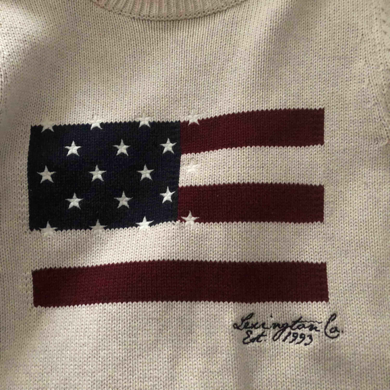 Jätteskön och fin tröja från lexington använd 1 gång, nypris ca 1200. . Stickat.