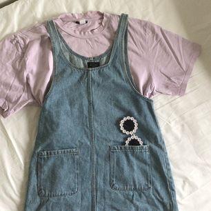 urgullig jeansklänning från Monki! kan mötas upp i stockholm.🌹