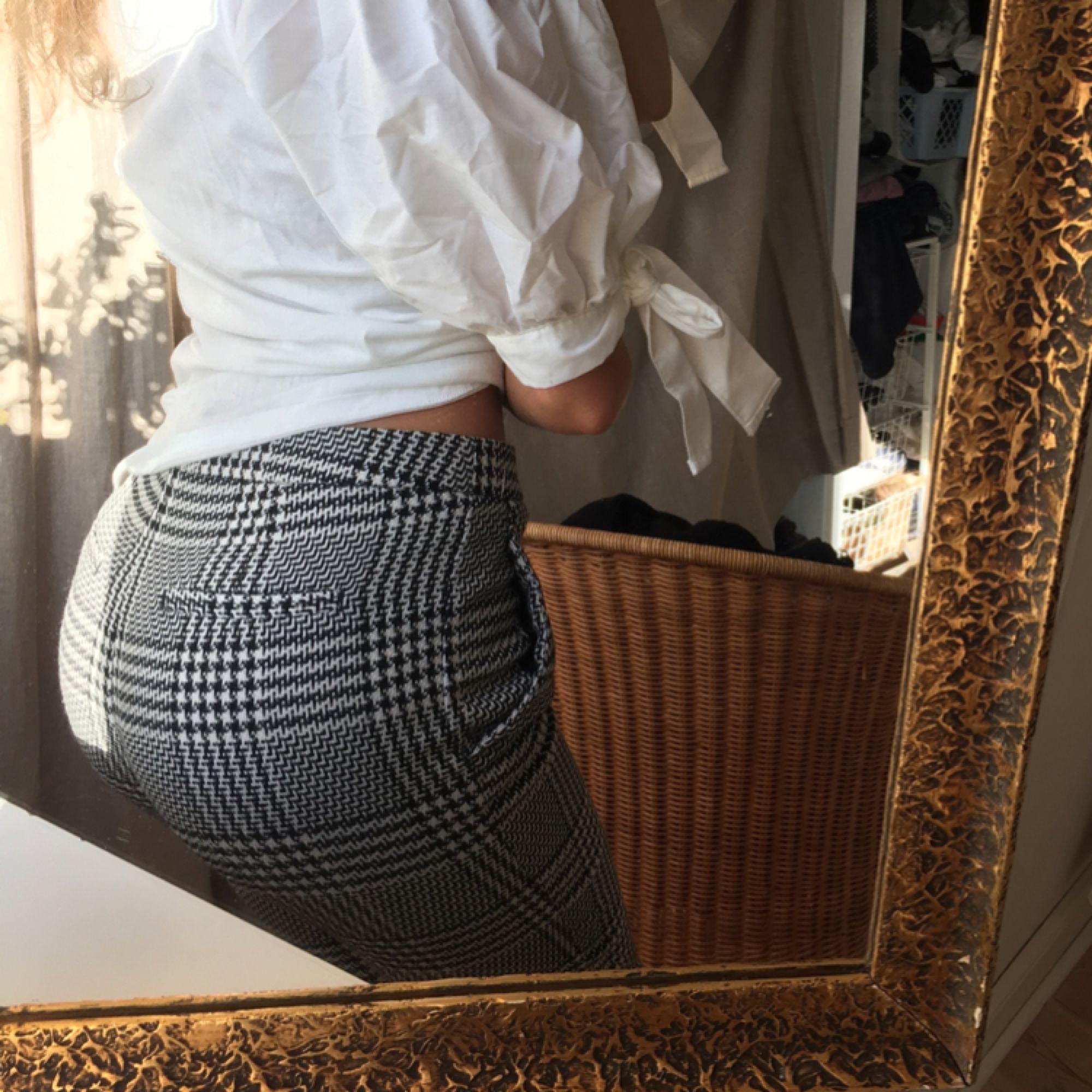 Rutiga byxor som ej används:( Köparen står för frakt. Jeans & Byxor.