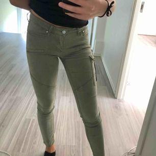 Gröna jeans