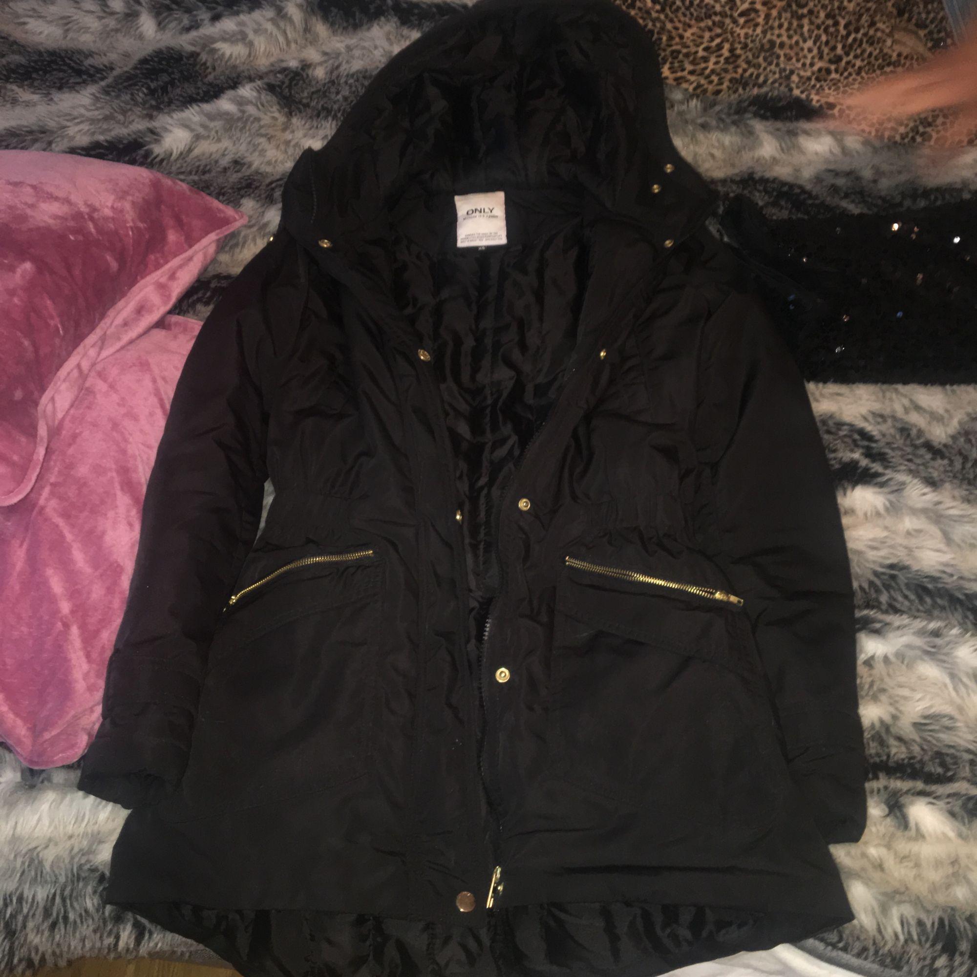 En jätte fin märkes jacka från Only aldrig använd 250 inklusive frakt.. Jackor.