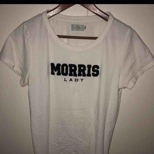 Morris T shirt köpt på plick!