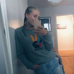 Grå Levis sweatshirt