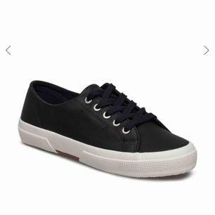 Ralph lauren skor i fint skick. Nypris ca 800kr, säljer för 250kr inkl frakt.