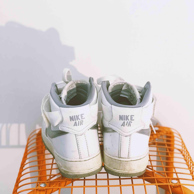 ab32860b797 Nike air force 1 high. Något slitna - Nike Skor - Second Hand