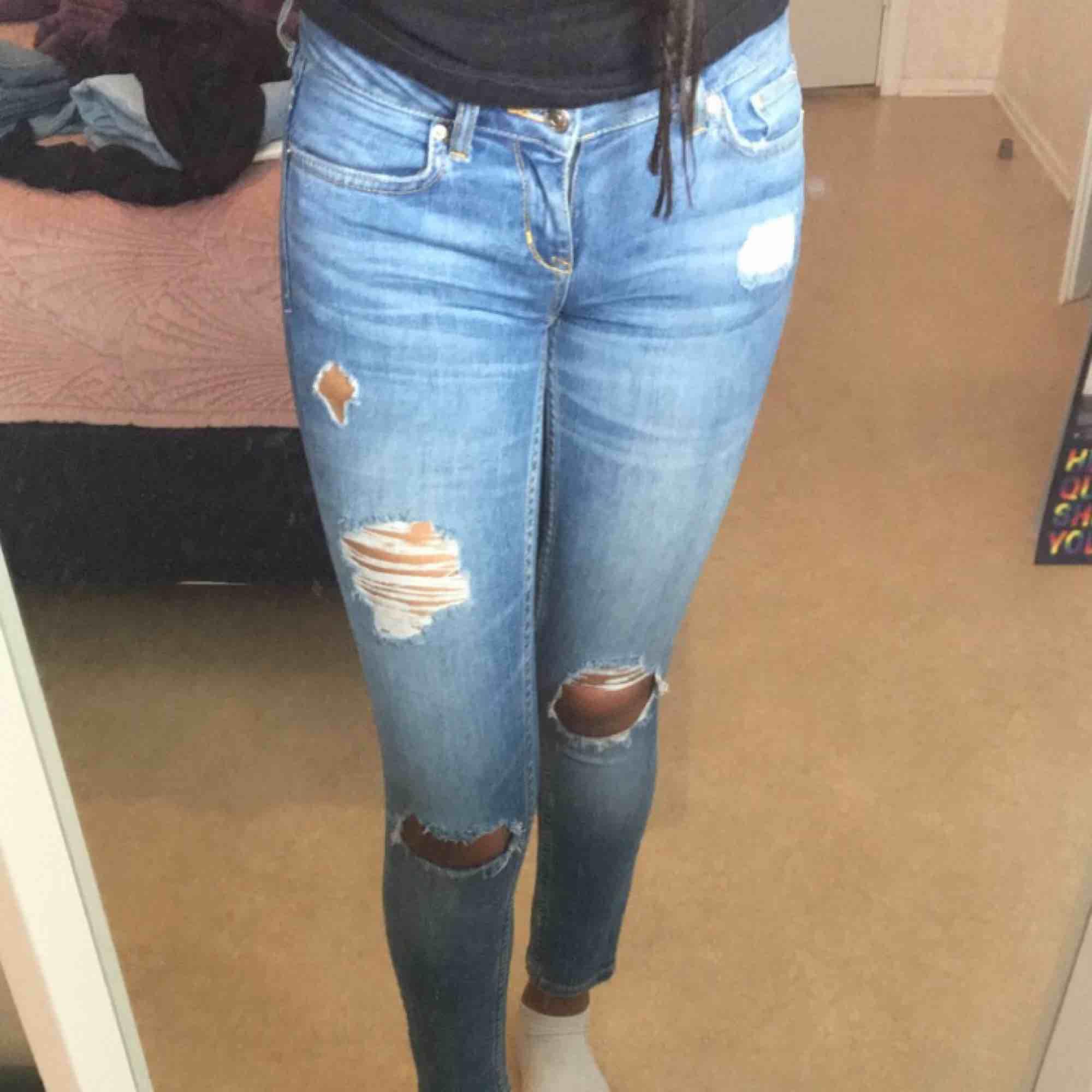 460674ef77c4 Säljer byxor från Ginatricot i - Gina Tricot Jeans & Byxor - Second Hand