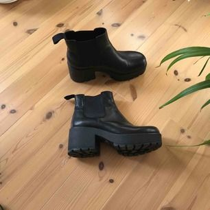 Boots från vagabond, storlek 37 Knappt använda, superfint skick! Frakt ingår