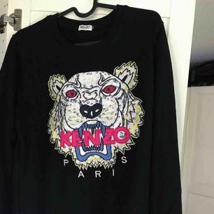 Superfin Kenzo-tröja! 😘 (väldigt bra kopia)