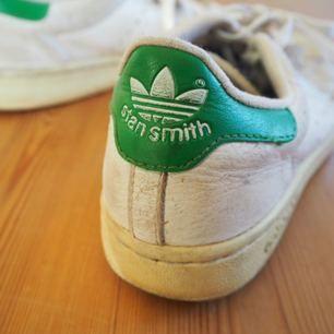 Vintage 90's stan Smith sneakers! #adidas Säljer vidare dessa favoriter✨  Kan bli billigare oxå, om det är högt tryck!