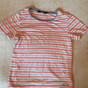 Tre fina t-shirts! Säljer alla för 50kr eller separat för 25. Fråga gärna om specifika storlekar eller fler bilder:)