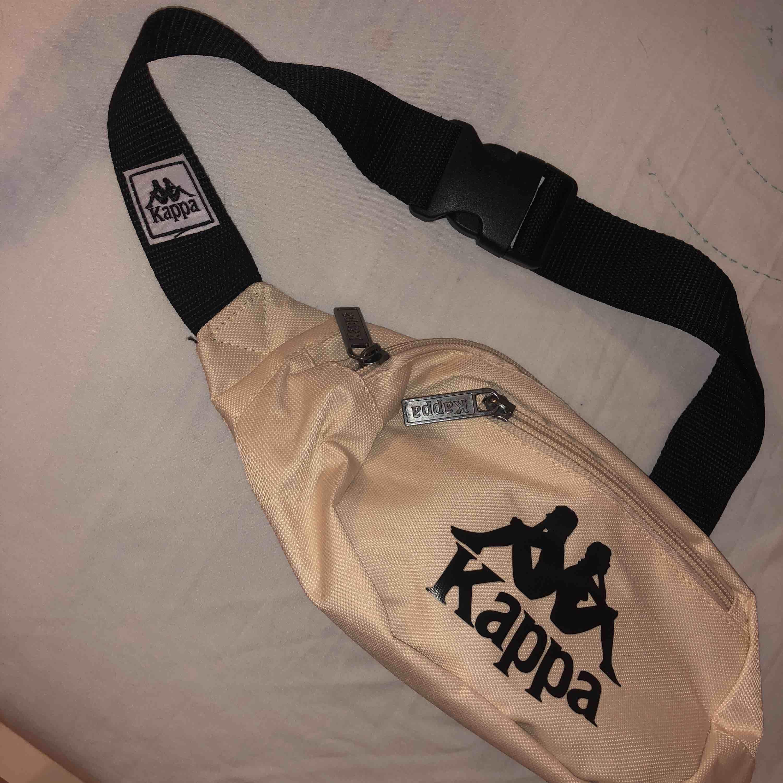 Kappa Fanny pack helt ny Köparen står för frakt . Accessoarer.