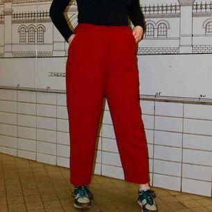 Ett par skitcoola hot-pink byxor från Talboots!   För att se den exakta färgen kolla bild 2!  Kan mötas upp i Stockholm!