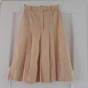 Häftig retro kjol från 70-talet, super bra skick! Köpare står för frakten.