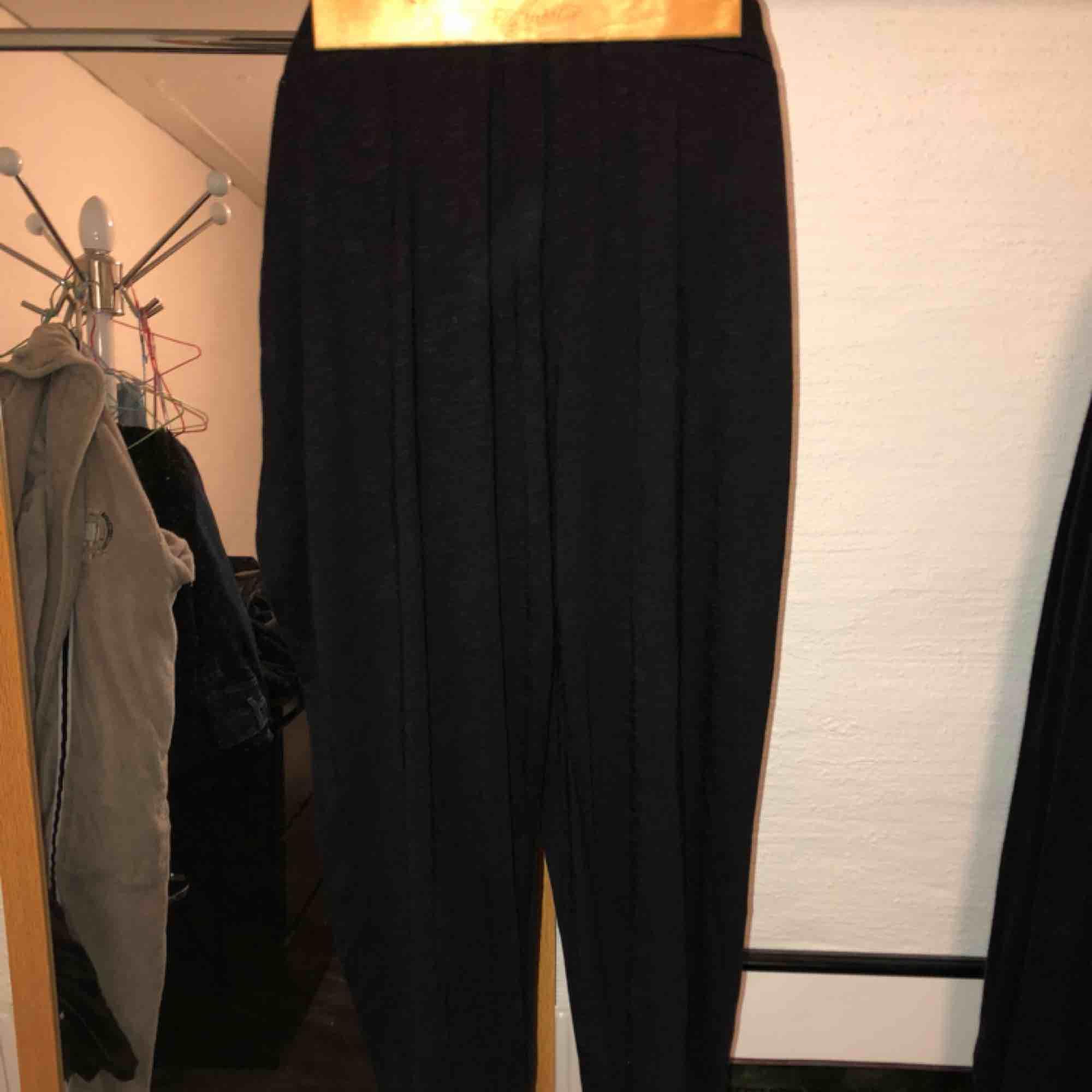 """Harlem byxor köpta i Frankrikes """"h&m"""". Skön bomulls kvalité som härliga mysbyxor.. Jeans & Byxor."""