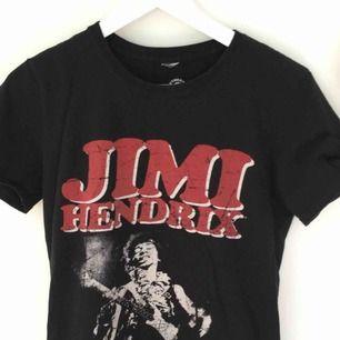 Jimi Hendrix T shirt, sann till storleken