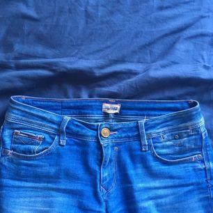 Jeans från Tommy Hilfiger! Köptes för 1600kr