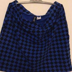 Cool kjol från H&M. Frakt tillkommer
