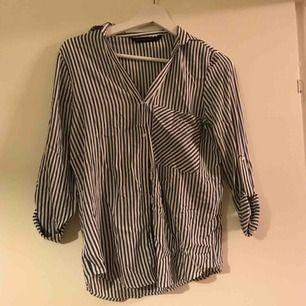En skjorta från Zara