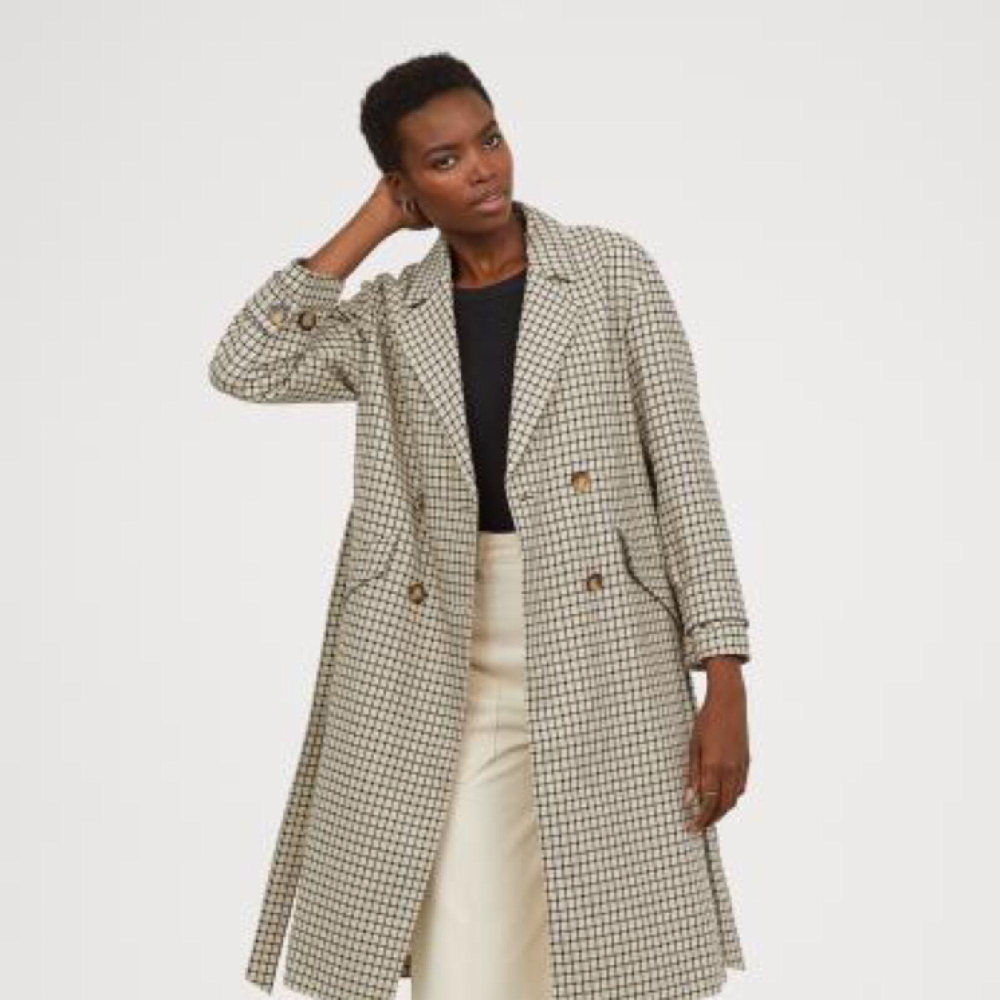 9414bd022f2f Ny jacka från H&M fall/18. EJ använd! En lång, dubbelknäppt kappa ...