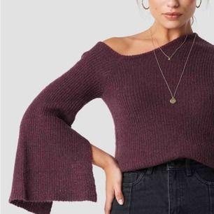 HELT NY tröja från Linn Ahlborg x NAKD. Säljes pga passar inte mig men drog bort lapparna för snabbt. Aldrig använd!