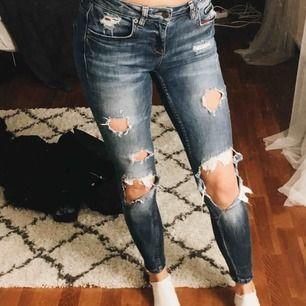 Jeans från GinaTricot i fint skick!!!! Modellen Kristen.