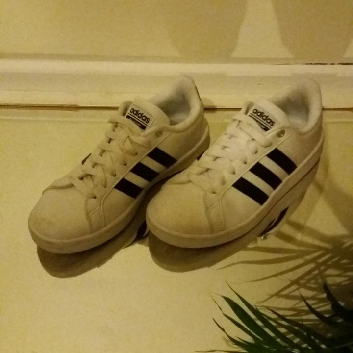 Skit snygga ☇Cloudfoam Advantage Sneakers☇ från Adidas