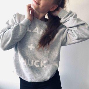 ❤️ Gossip Girl sweatshirt ❤️ Nyskick ❤️ Köpare står för frakt ❤️  ⭐️ Jag är 161 cm lång - normalt storlek 34-36 ⭐️