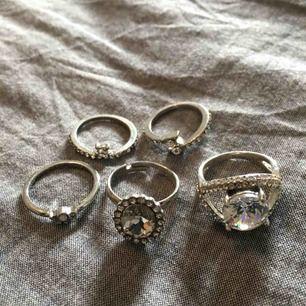 5 stycken ringar för 30kr