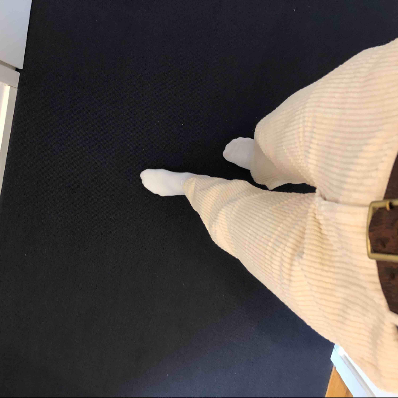 Supersnygga Manchester byxor passar en 34/36 sitter supersnygga fåtal gånger använda. Storlek 30-32 i längden. Jeans & Byxor.